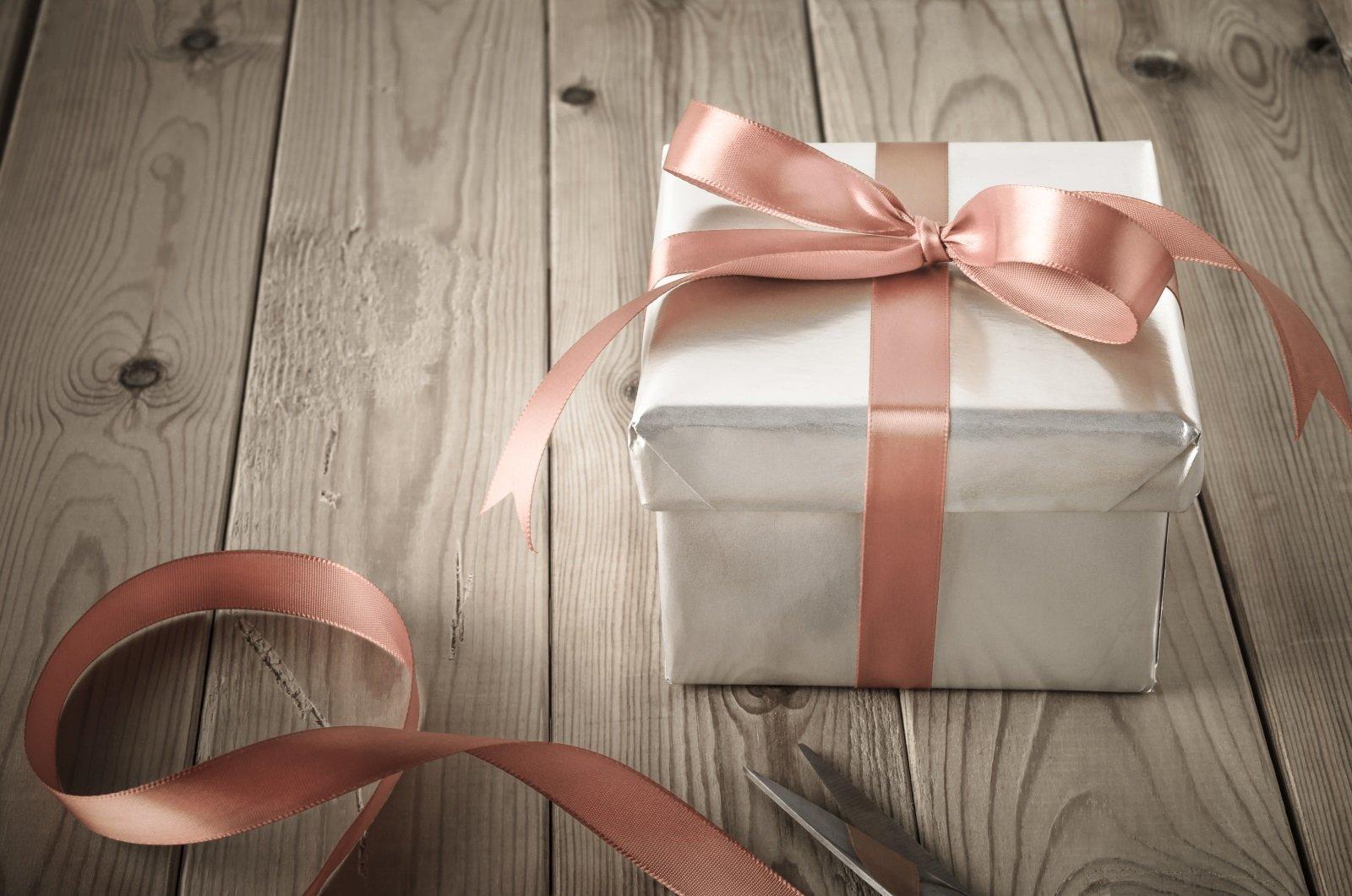 Keepsakes & Gifts