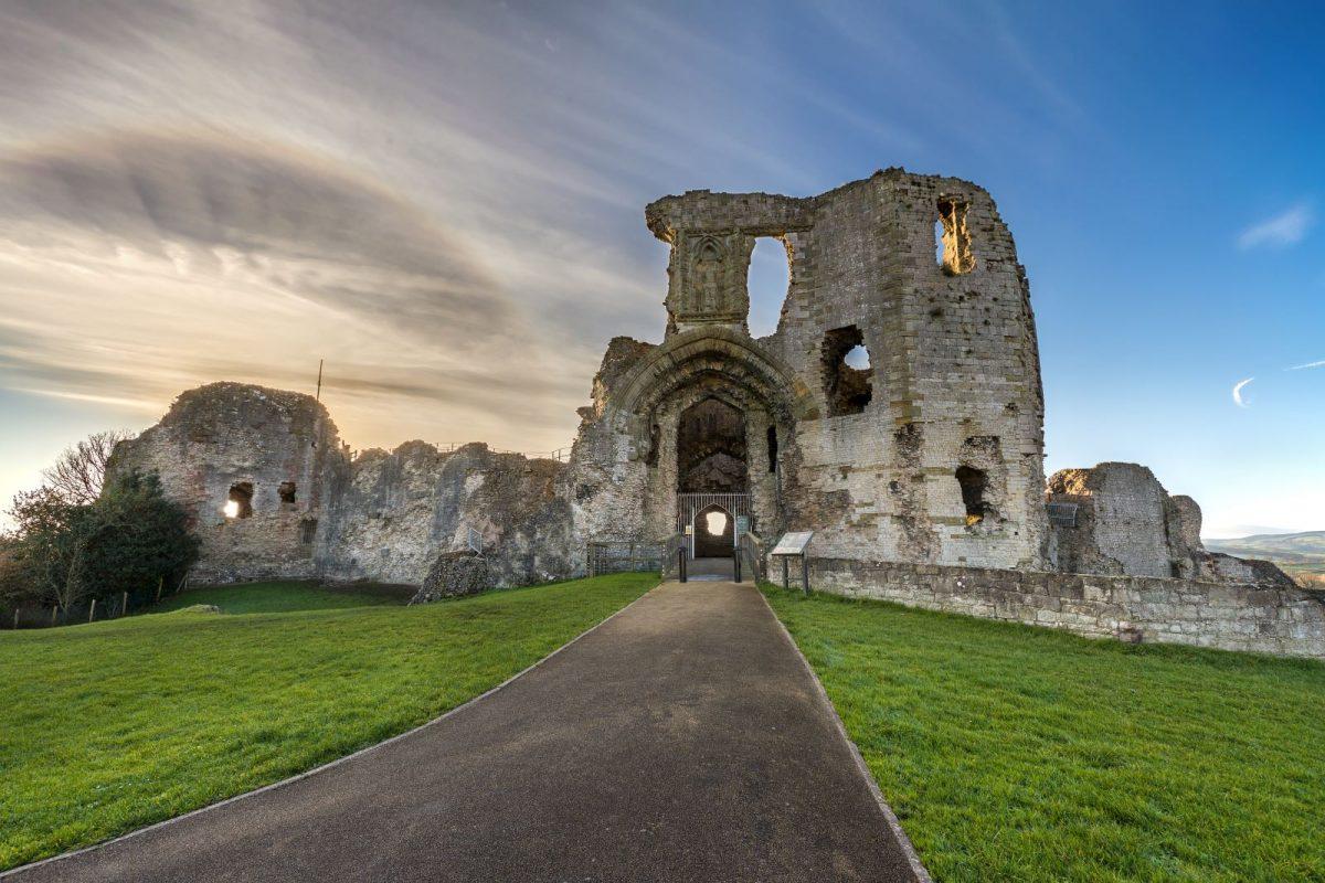 Denbigh Castle/ Castell Dinbych CADW
